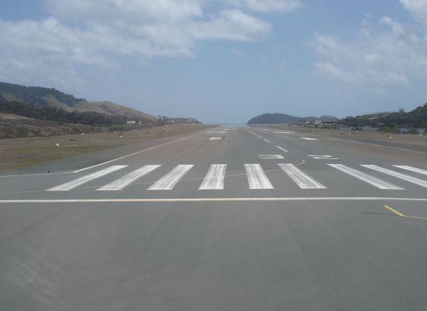 http://www.thevital.net/udo/bne-hti-bne/JQ726.runway.jpg