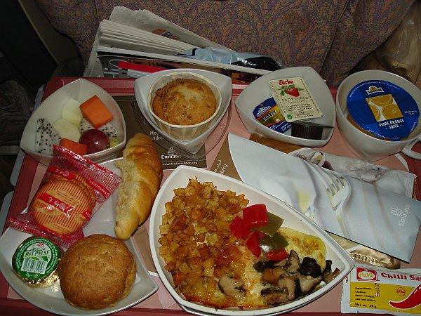 http://www.thevital.net/udo/bne-sin-dxb-muc/EK433.breakfast.jpg