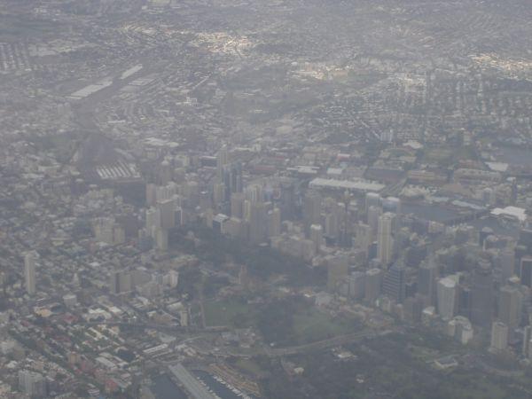 http://www.thevital.net/udo/bne-syd-bne/QF176.skyline.jpg