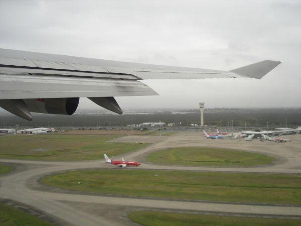 http://www.thevital.net/udo/bne-syd-bne/QF176.takeoff.jpg