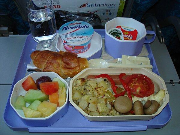 http://www.thevital.net/udo/fra-cmb-bkk-cmb-fra/UL422.breakfast.jpg
