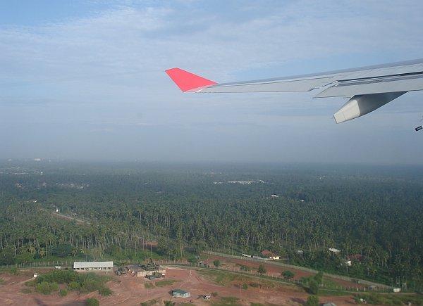 http://www.thevital.net/udo/fra-cmb-bkk-cmb-fra/UL422.takeoff3.jpg