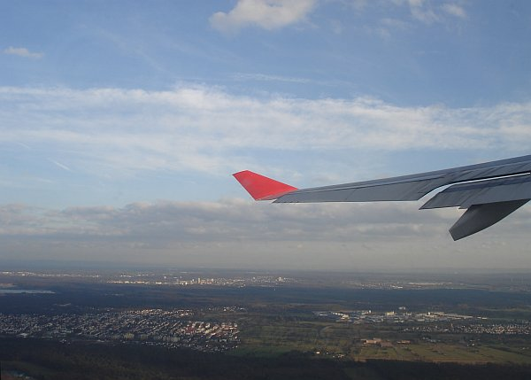 http://www.thevital.net/udo/fra-cmb-bkk-cmb-fra/UL554.takeoff.jpg