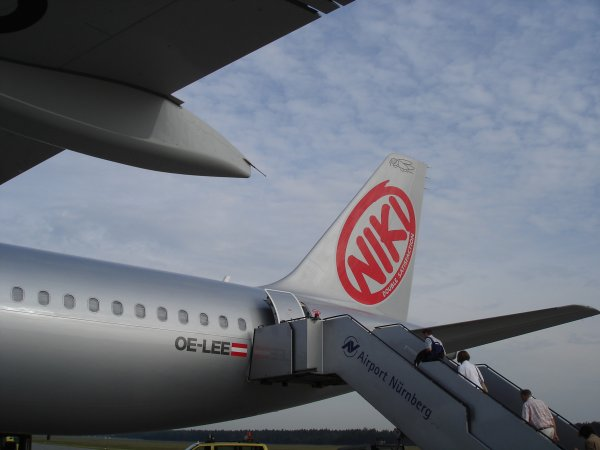 http://www.thevital.net/udo/vienna/Ab8374wing.jpg